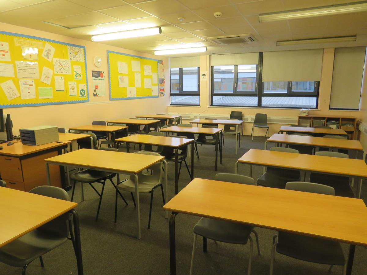 Classroom - Standard - Duke's Aldridge Academy - Haringey - 3 - SchoolHire
