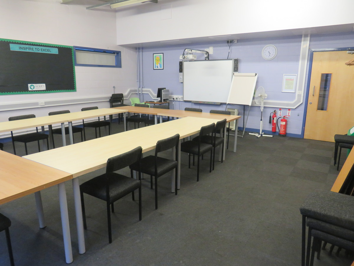 Meeting Room A2T - Duke's Aldridge Academy - Haringey - 4 - SchoolHire