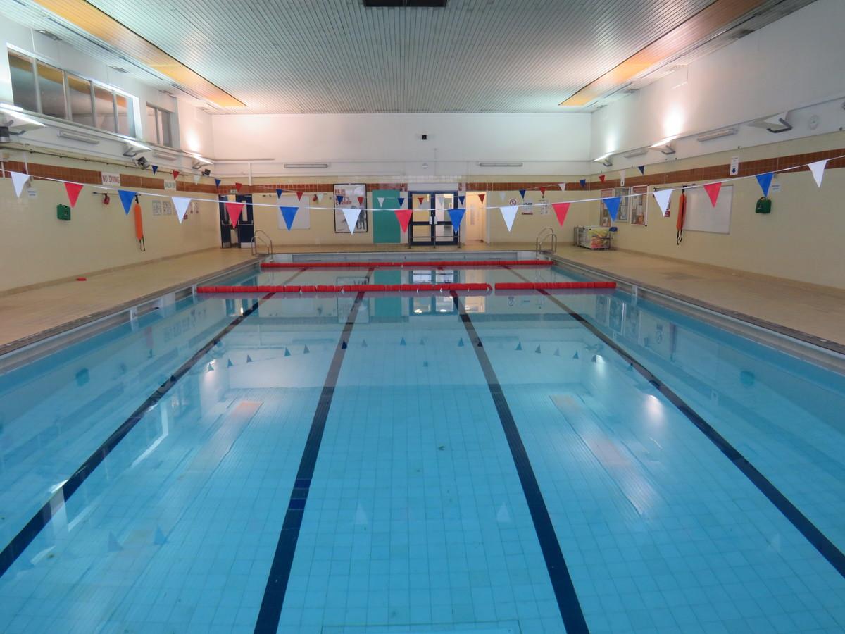 Swimming Pool - Duke's Aldridge Academy - Haringey - 1 - SchoolHire