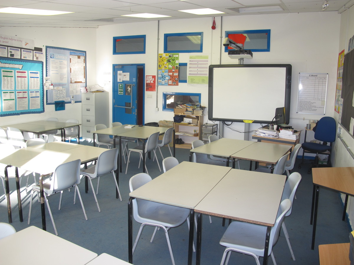 Classrooms - F Block - Firth Park Academy - Sheffield - 1 - SchoolHire