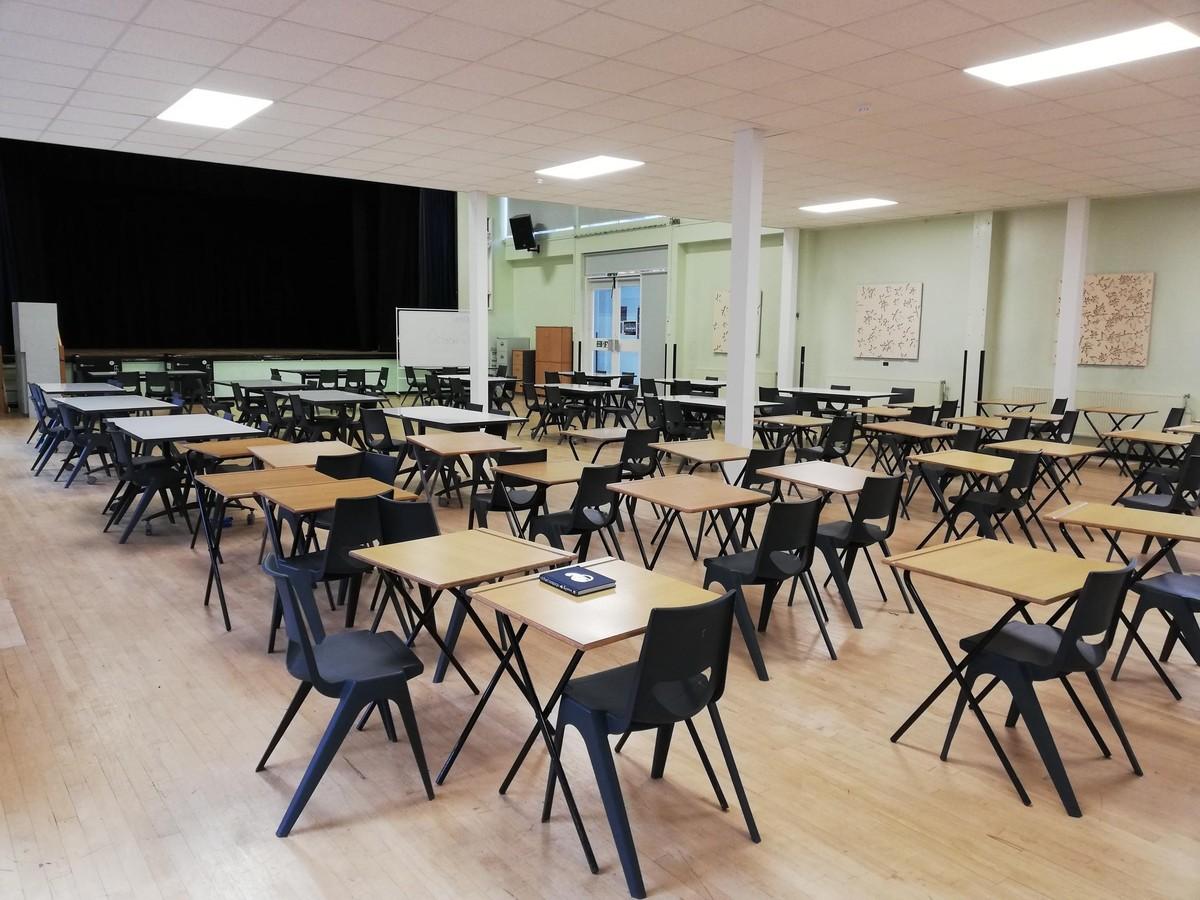 Main Hall - Carshalton Boys Sports College - Sutton - 2 - SchoolHire