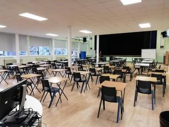 Main Hall - Carshalton Boys Sports College - Sutton - 1 - SchoolHire