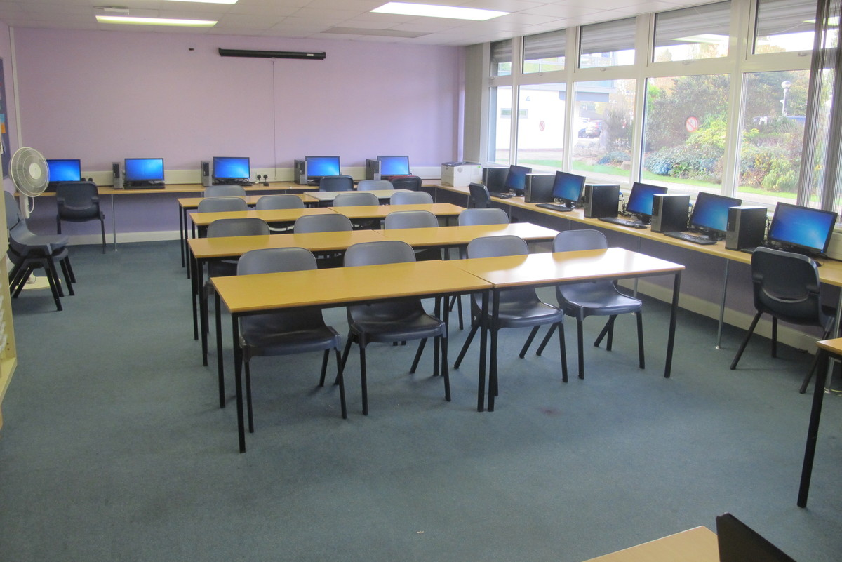 Classrooms - ALC - Slough & Eton College - Slough - 1 - SchoolHire