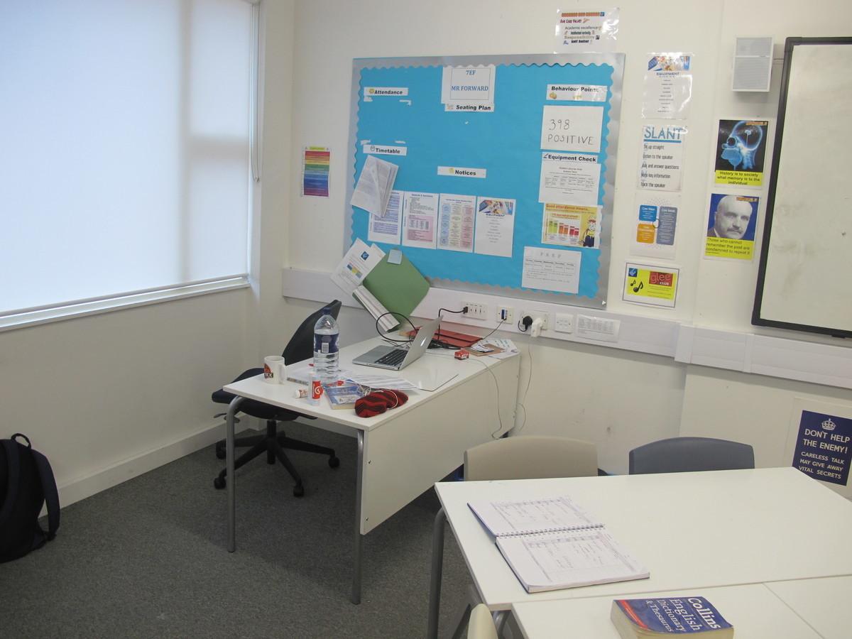 Classroom - Standard - Hackney New School - Hackney - 1 - SchoolHire