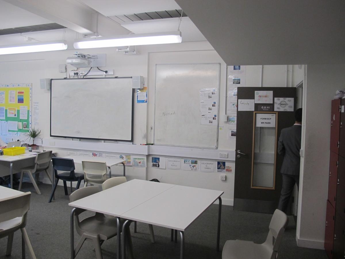 Classroom - Standard - Hackney New School - Hackney - 4 - SchoolHire