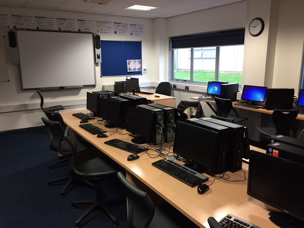 Sixth Form Classroom - Slough & Eton College - Slough - 1 - SchoolHire