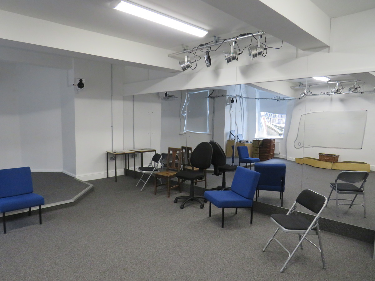 Drama Studio - Blackheath High School - Greenwich - 4 - SchoolHire