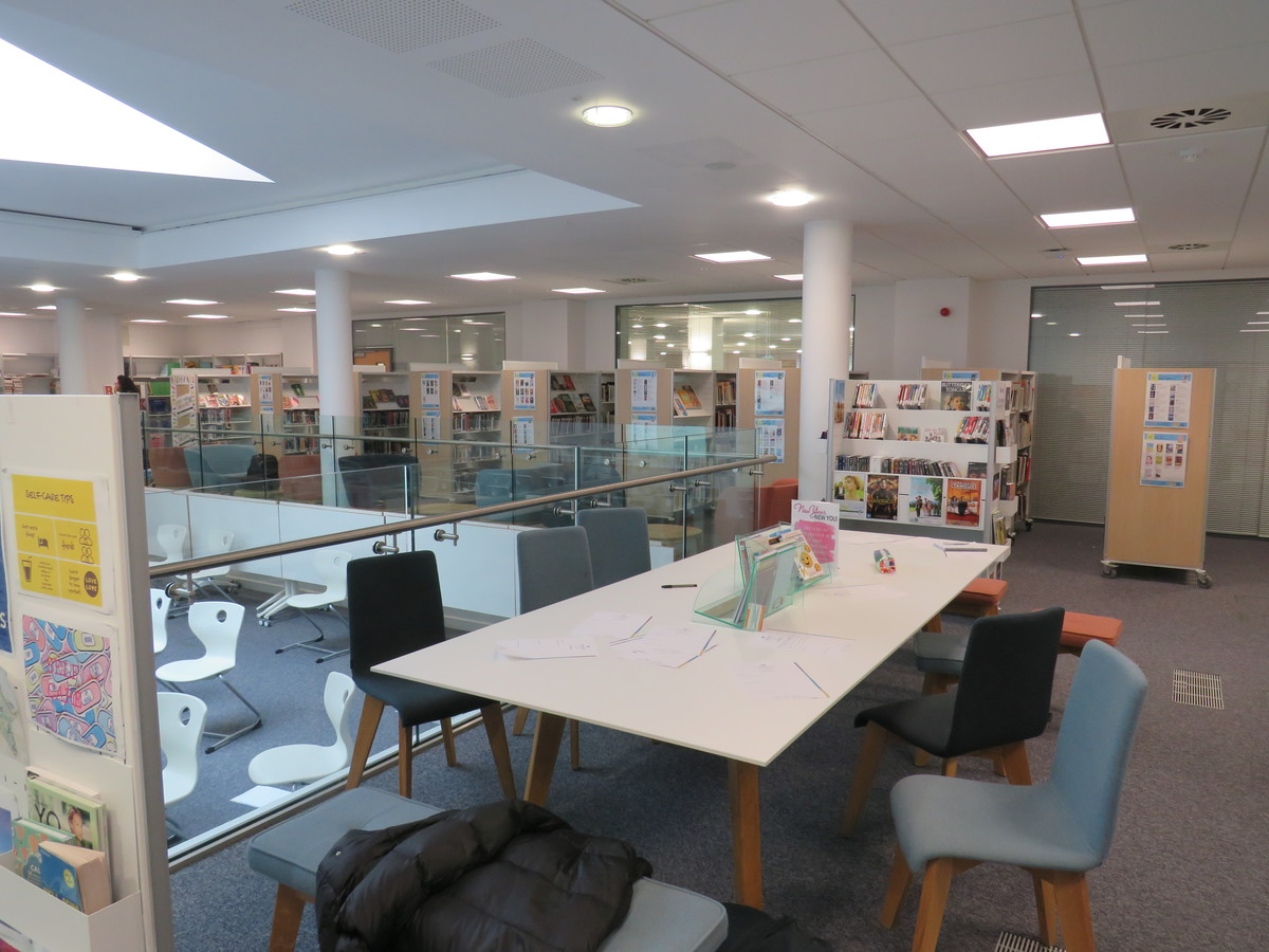 Library - Blackheath High School - Greenwich - 1 - SchoolHire