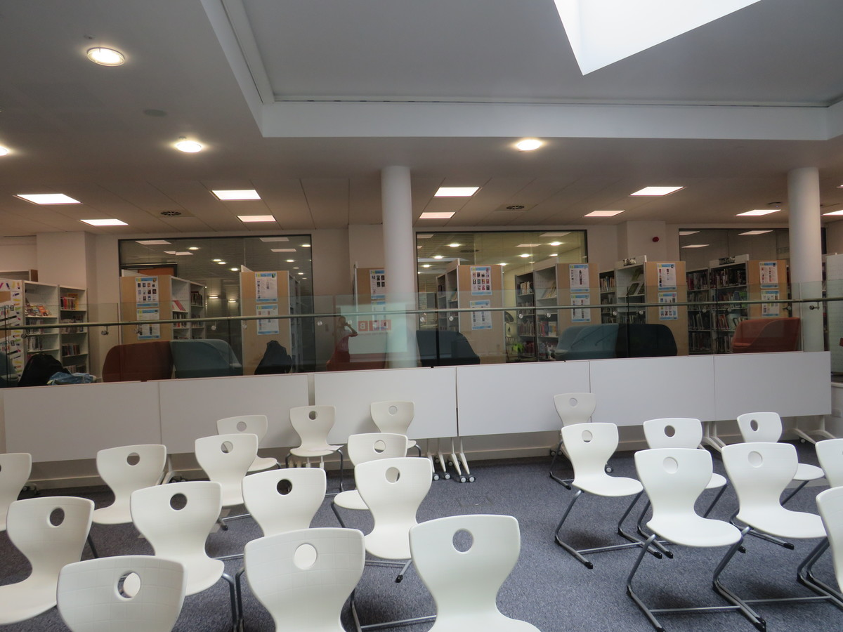 Library - Blackheath High School - Greenwich - 3 - SchoolHire