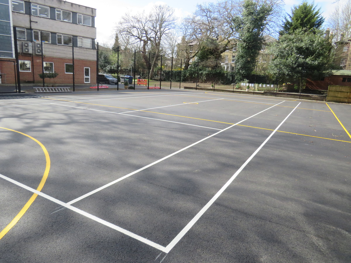 Netball/Tennis Court - Blackheath High School - Greenwich - 4 - SchoolHire
