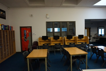 6th Form Atrium - The Littlehampton Academy - West Sussex - 4 - SchoolHire