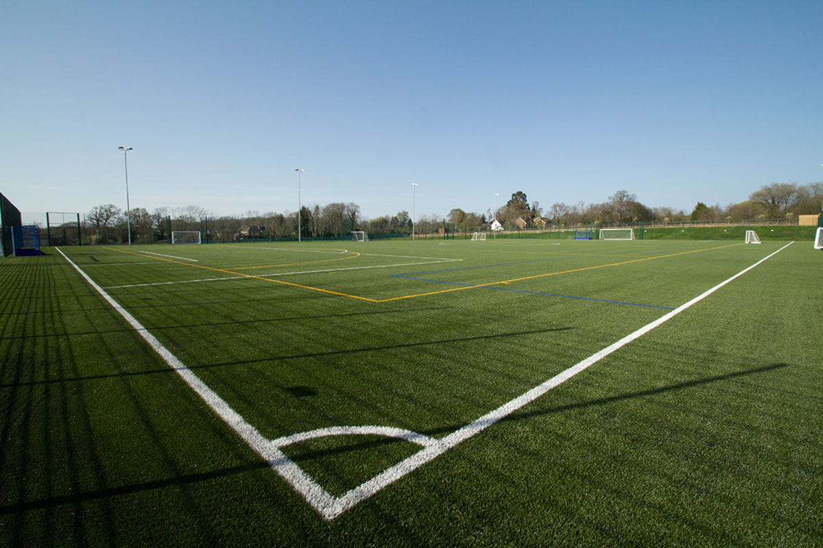 3G Football Pitch (Full Size) - Swanmore Leisure - Hampshire - 1 - SchoolHire