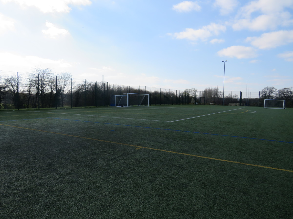 3G Football Pitch (Full Size) - Swanmore Leisure - Hampshire - 2 - SchoolHire