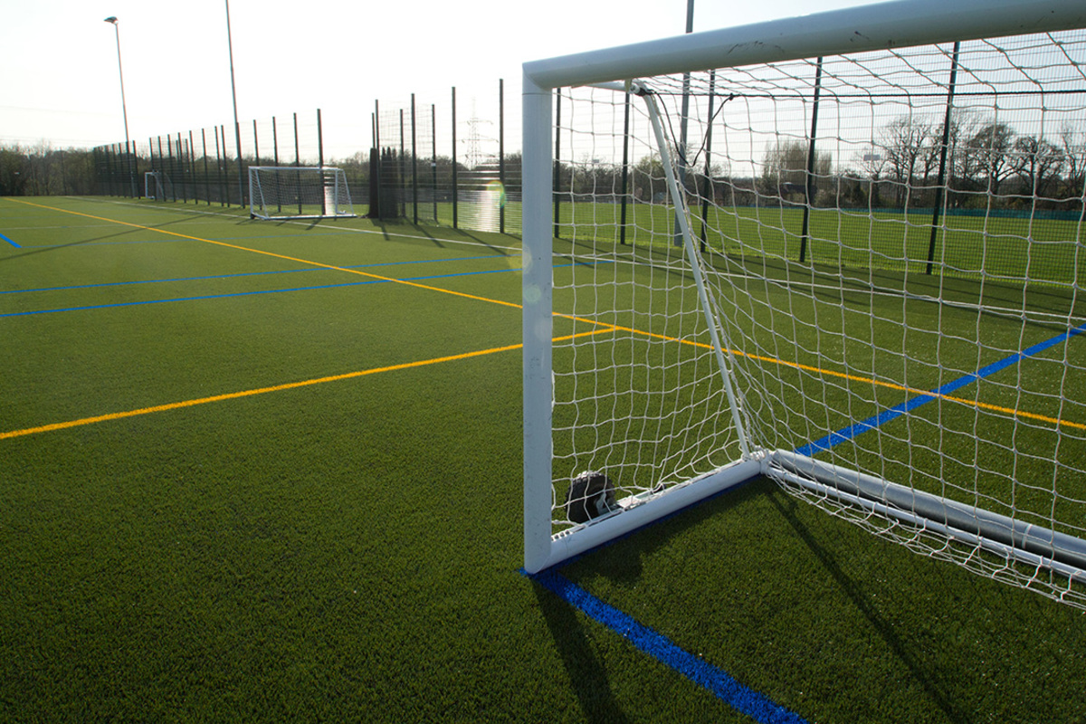 3G Football Pitch (Full Size) - Swanmore Leisure - Hampshire - 4 - SchoolHire