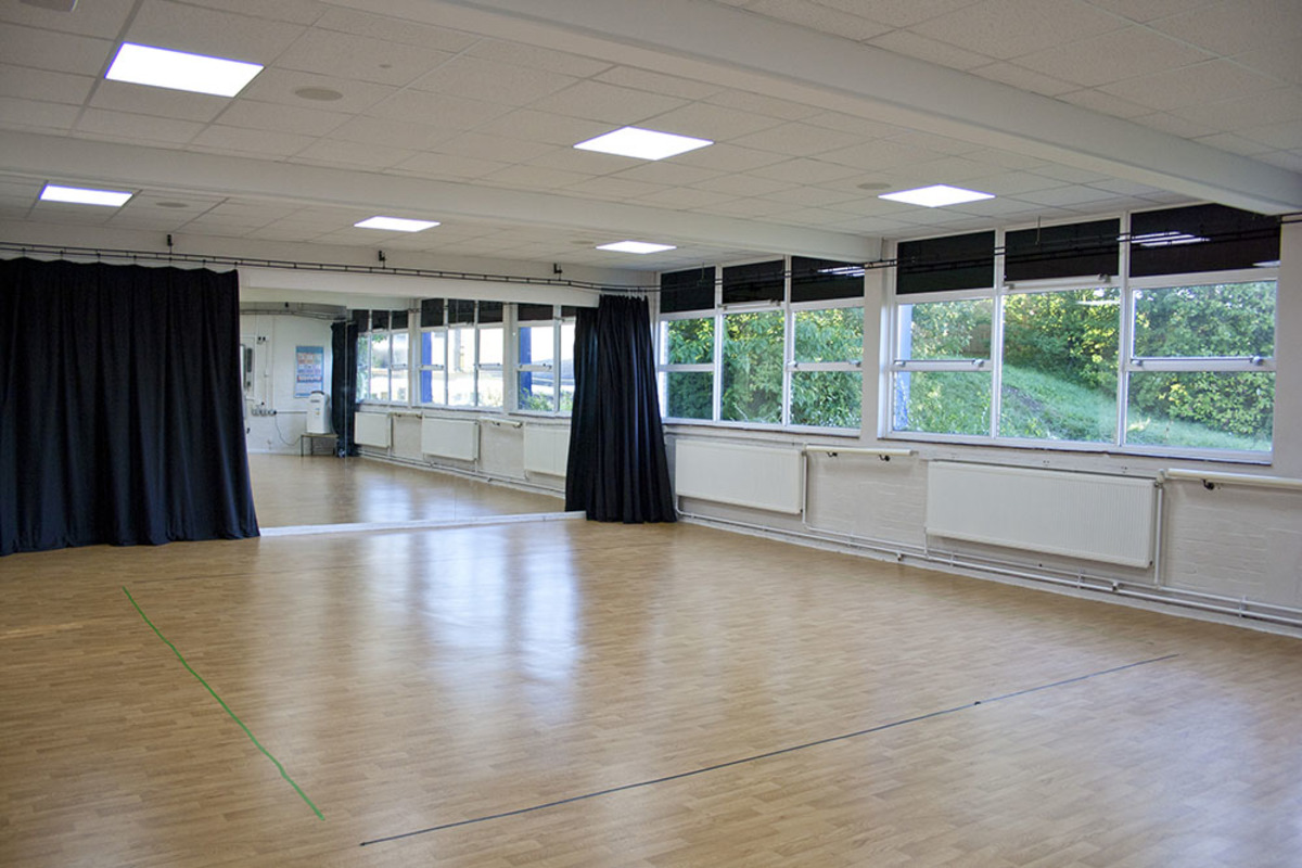 Dance Studio - Swanmore Leisure - Hampshire - 1 - SchoolHire