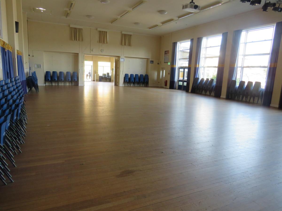 Main Hall - Swanmore Leisure - Hampshire - 1 - SchoolHire