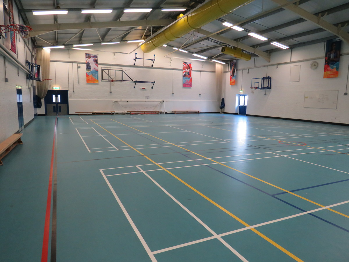 Sports Hall - Swanmore Leisure - Hampshire - 2 - SchoolHire
