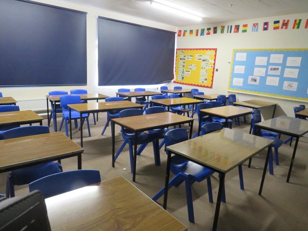 Standard Classrooms - Swanmore Leisure - Hampshire - 2 - SchoolHire