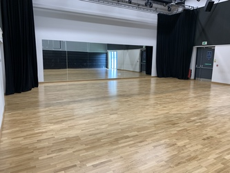 Performing Arts Studio - Swanmore Leisure - Hampshire - 1 - SchoolHire