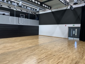 Performing Arts Studio - Swanmore Leisure - Hampshire - 4 - SchoolHire
