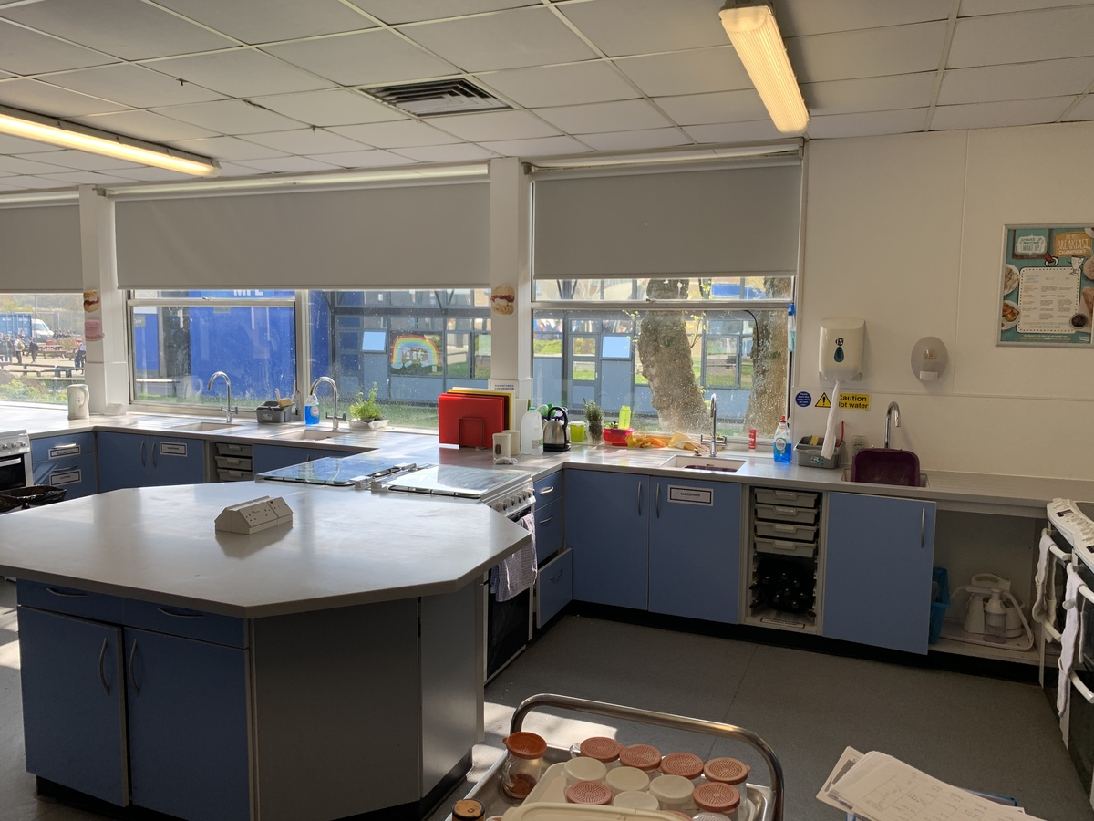 Food Tech Room - Swanmore Leisure - Hampshire - 1 - SchoolHire