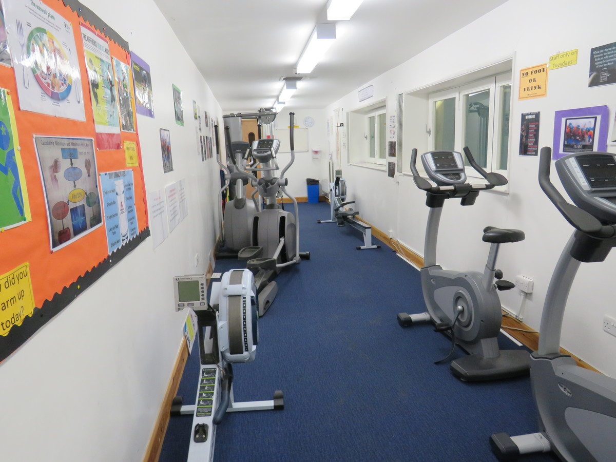 Fitness Suite - St. Michael's Catholic Grammar School - Barnet - 3 - SchoolHire
