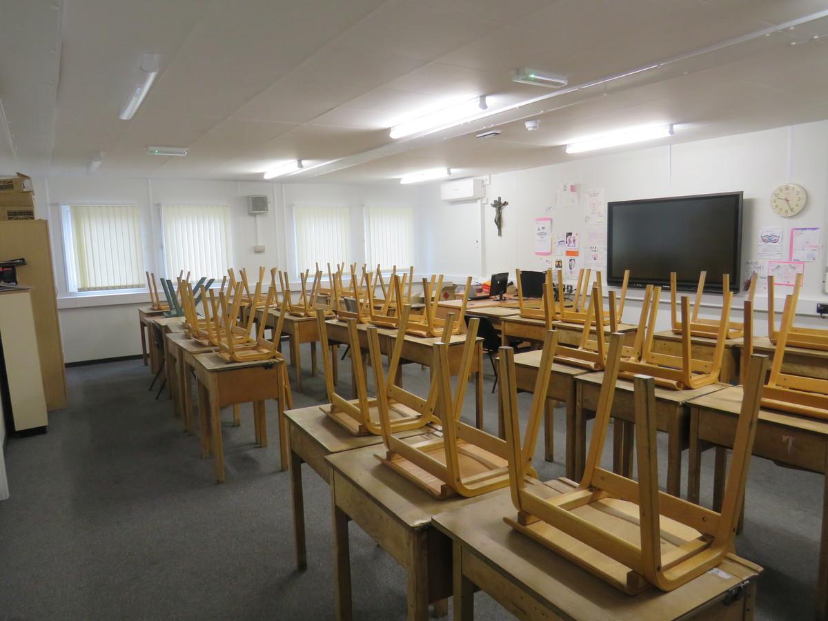 Large Classrooms - St. Michael's Catholic Grammar School - Barnet - 2 - SchoolHire