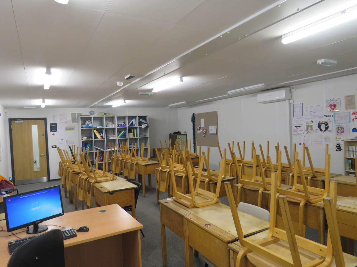 Large Classrooms - St. Michael's Catholic Grammar School - Barnet - 4 - SchoolHire