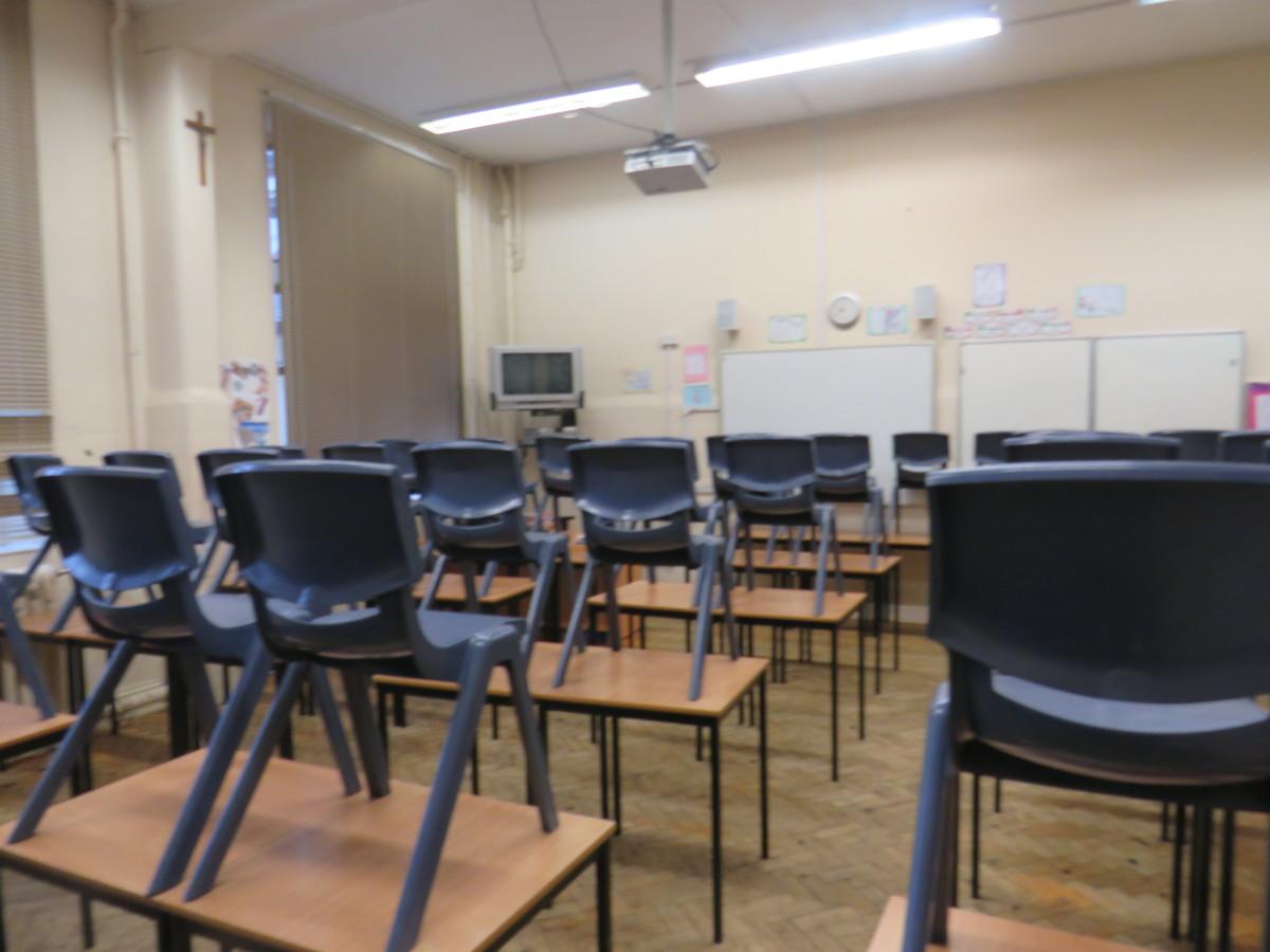 Small Classrooms - St. Michael's Catholic Grammar School - Barnet - 4 - SchoolHire