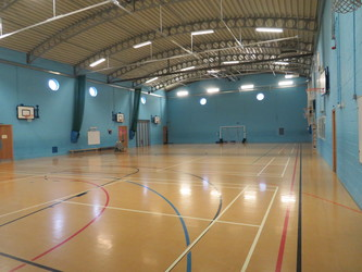 Sports Hall - St. Michael's Catholic Grammar School - Barnet - 2 - SchoolHire