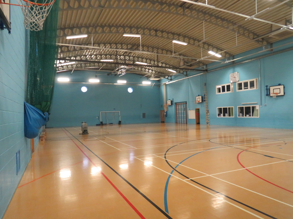 Sports Hall - St. Michael's Catholic Grammar School - Barnet - 3 - SchoolHire