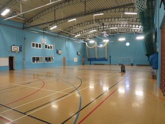 Sports Hall - St. Michael's Catholic Grammar School - Barnet - 4 - SchoolHire