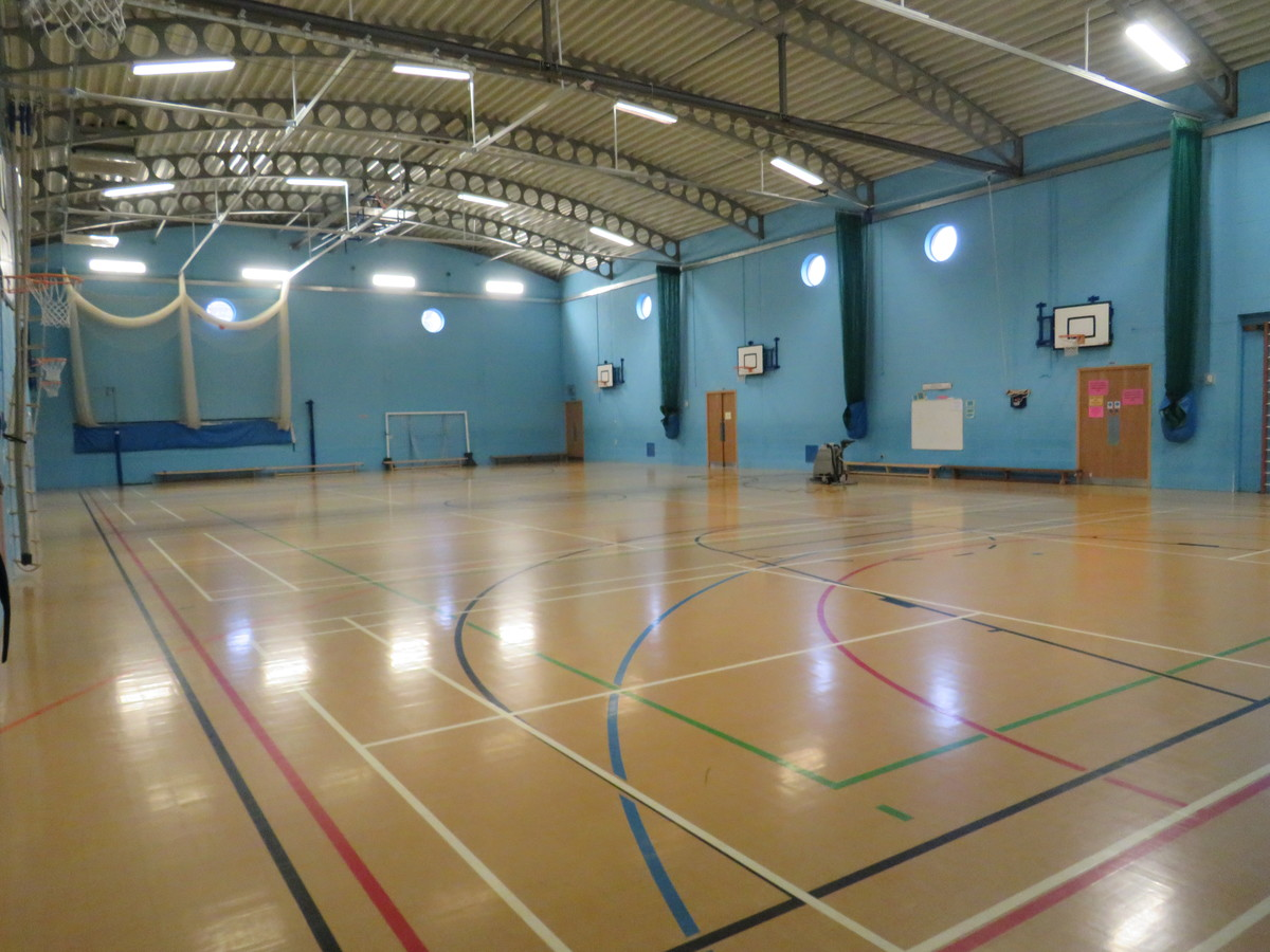 Sports Hall - St. Michael's Catholic Grammar School - Barnet - 1 - SchoolHire