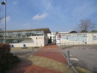 Wyvern College - Hampshire - 1 - SchoolHire