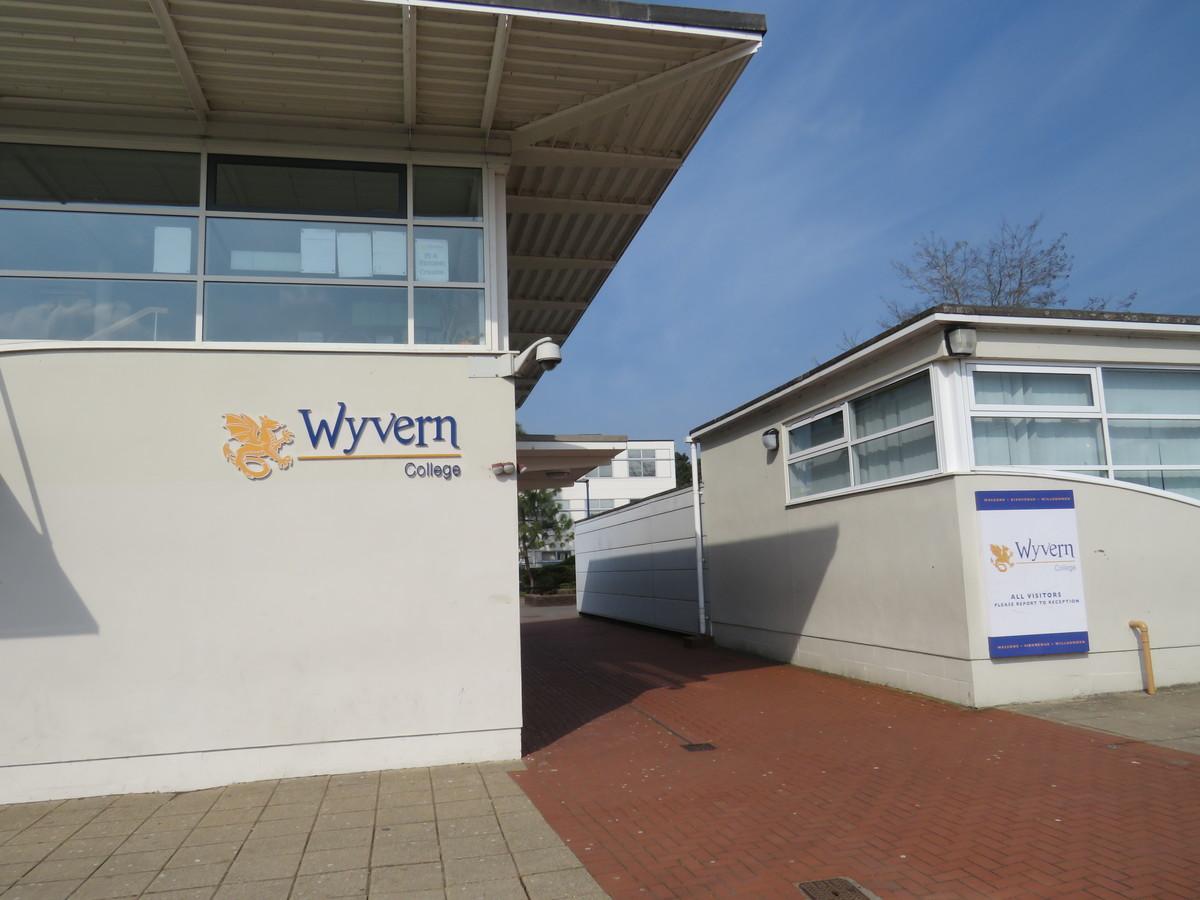 Wyvern College - Hampshire - 2 - SchoolHire