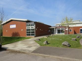 Wyvern College - Hampshire - 3 - SchoolHire