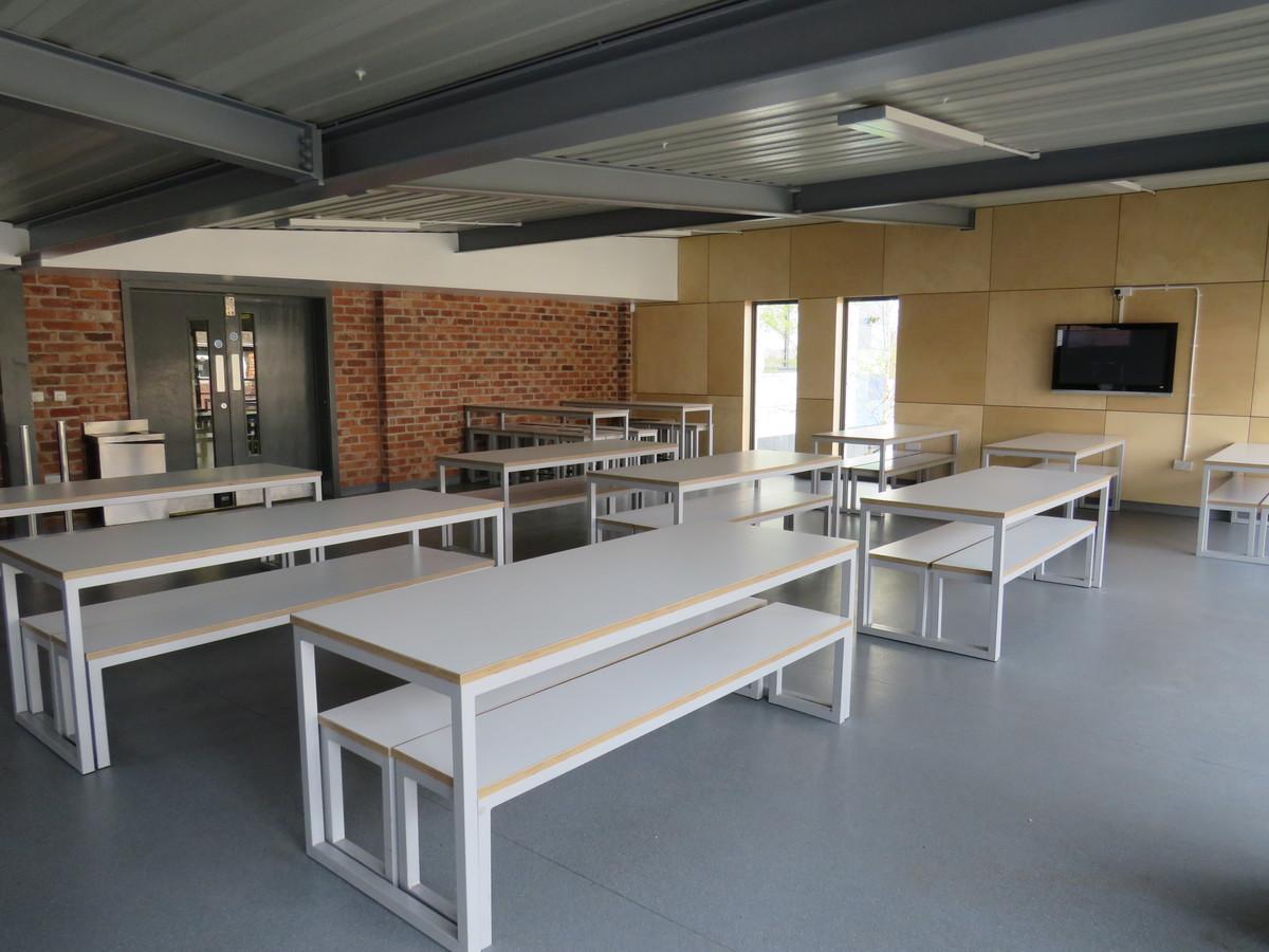 Canteen - The Perins MAT - Hampshire - 1 - SchoolHire