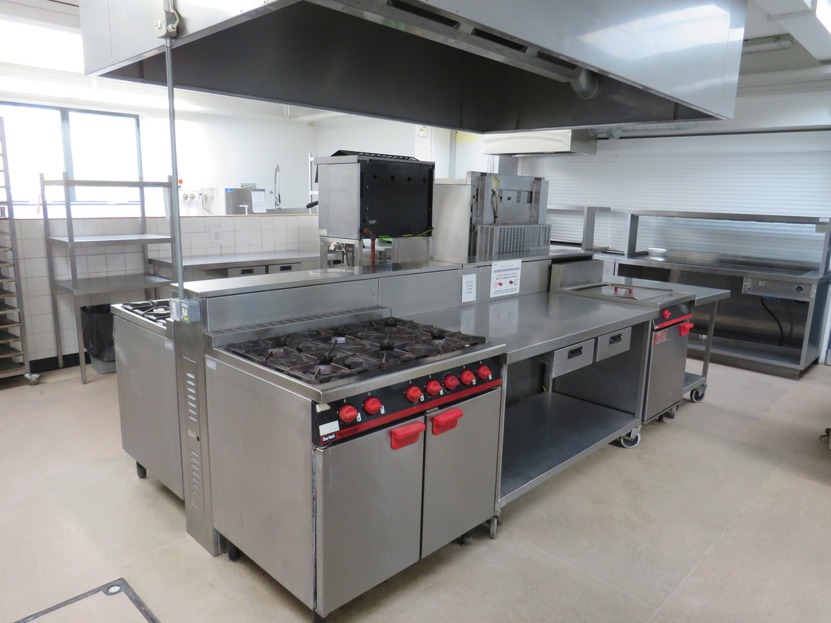 Kitchen Facilities - The Perins MAT - Hampshire - 1 - SchoolHire