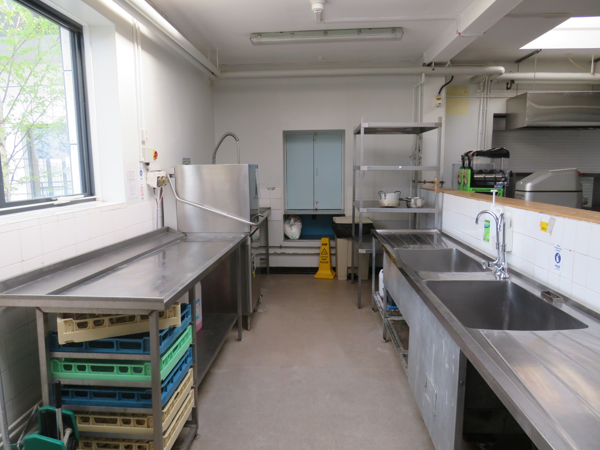 Kitchen Facilities - The Perins MAT - Hampshire - 3 - SchoolHire