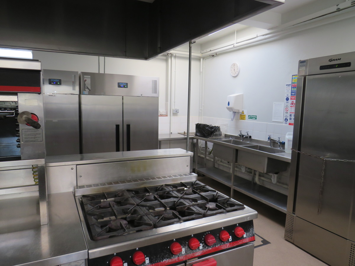 Kitchen Facilities - The Perins MAT - Hampshire - 4 - SchoolHire
