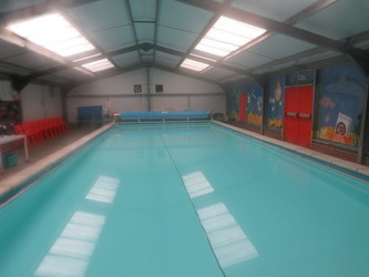 Swimming Pool - Freshwaters Primary Academy - Essex - 1 - SchoolHire