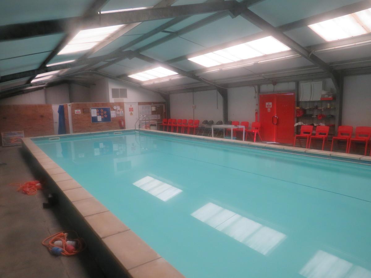 Swimming Pool - Freshwaters Primary Academy - Essex - 4 - SchoolHire
