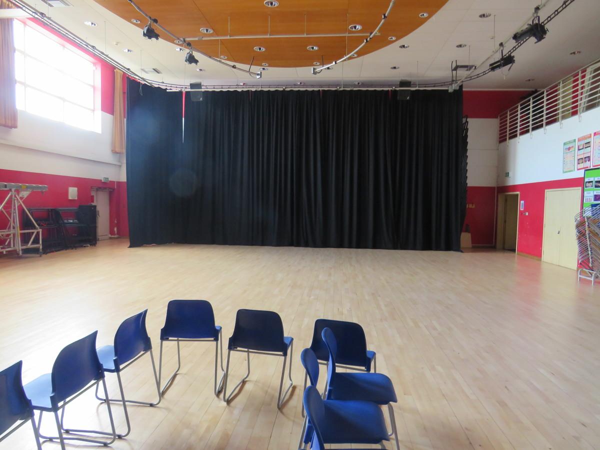 Theatre - Royal Docks Academy - Newham - 4 - SchoolHire