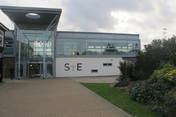 Slough & Eton College - Slough - 1 - SchoolHire